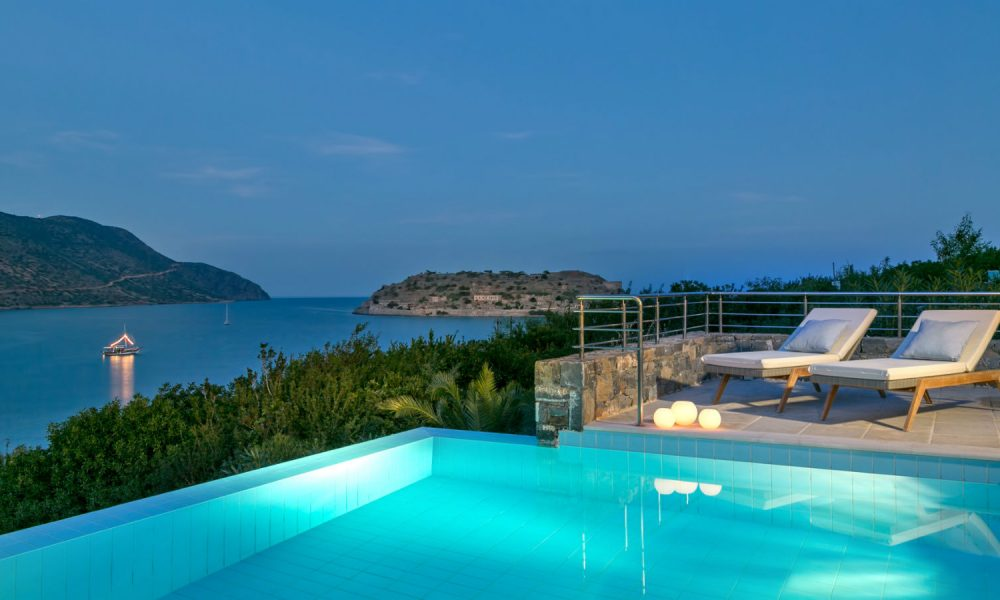 blue_palace_island_suite_pool