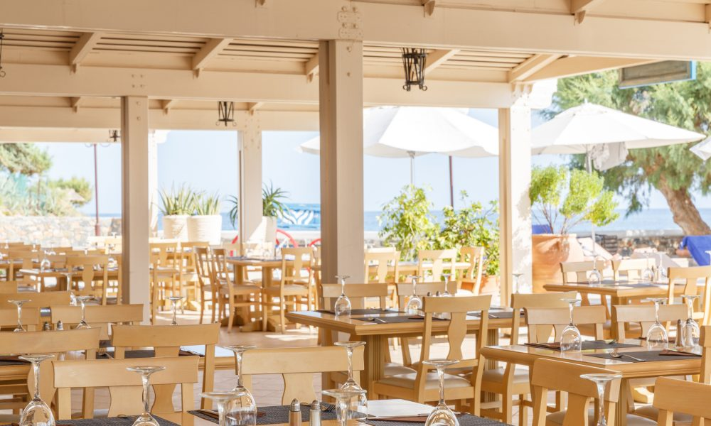 creta_maris_dining_outdoor