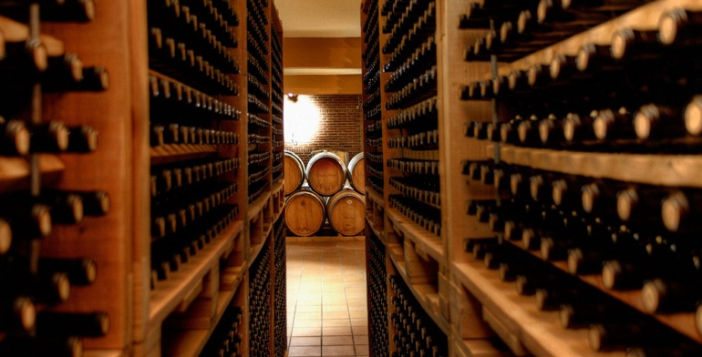 omdmc_wine_cullinary_greece_winecellar