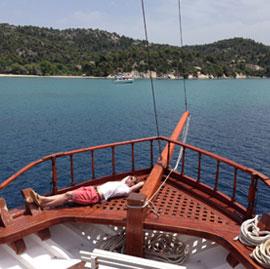 greece-cruise-sailing-03