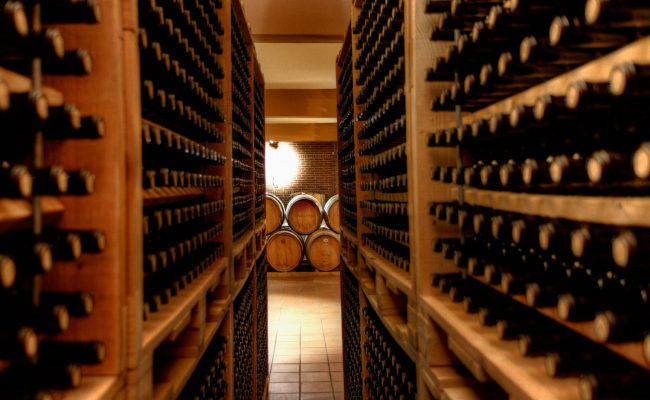 Greece_Wine-cellar-650x400