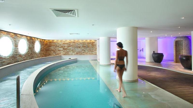 04_hilton_park_hotel_cyprus_slider