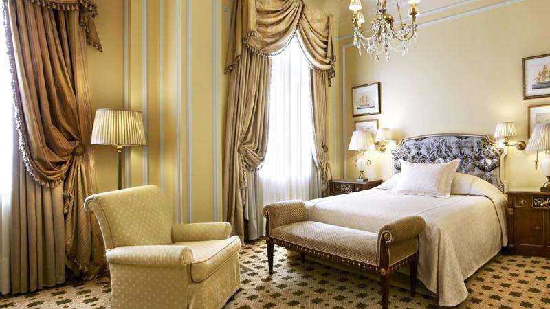 06_grande_bretagne_hotel_athens_greece_slider