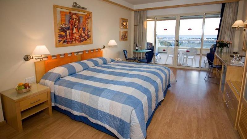 06_st_raphael_hotel_cyprus_slider