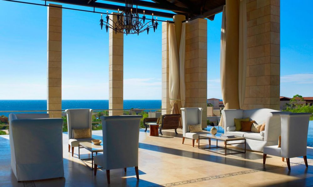 costa_navarino_the_romanos_lobby