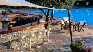 elounda-bay-poolside-bar