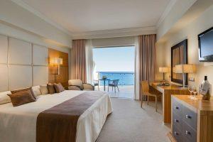 elysium-deluxe-bedroom-sea-view