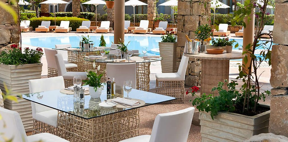 sani_resort_dining_outdoors