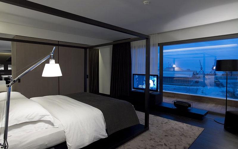 the-met-bedroom